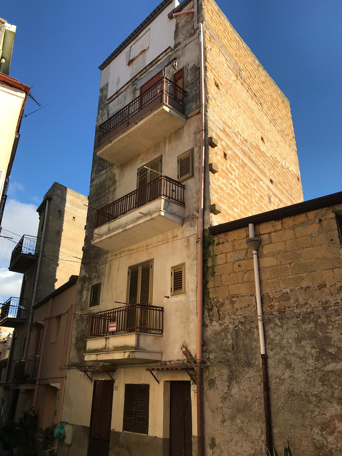 House on 4 levels – Cianciana (AG)
